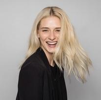 5 tips om te voorkomen dat je haar meer uitvalt in de herfst