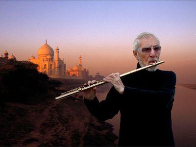 CHRIS HINZE - INCREDIBLE INDIA!