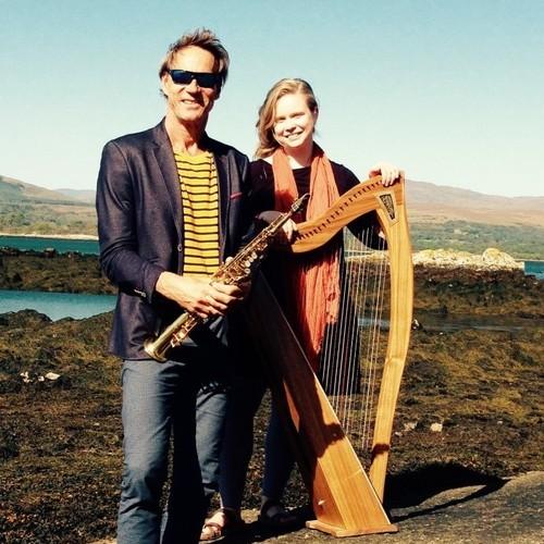 Warme winteravond in Keltische sfeer: harpiste en zangeres Aisling Urwin & saxofonist André van der Hoff